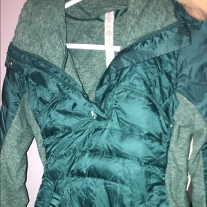 Lulu lemon windbreaker! Warm!! Green/ bluish.